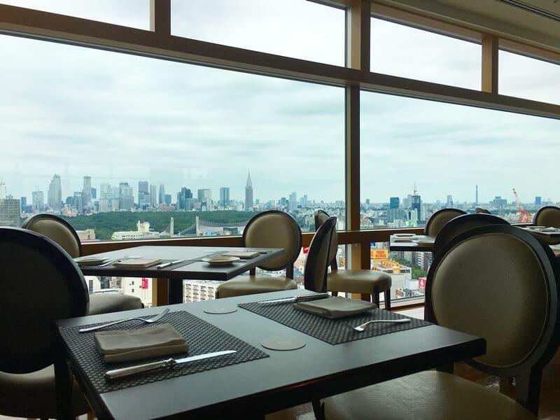 渋谷エクセルホテル最上階のレストランの写真