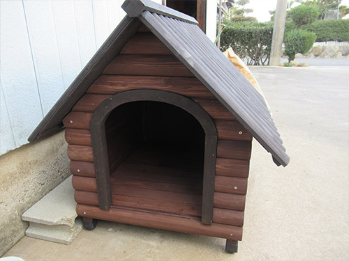 アイリスオーヤマ ログ犬舎LGK-750 レビュー 犬小屋 中型犬 屋外 木製