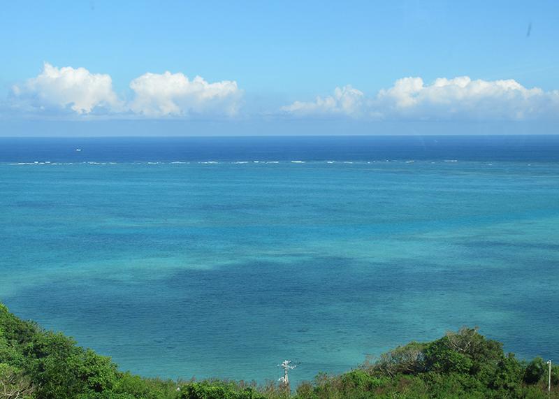 ハレクラニ沖縄に泊まって沖縄観光 南部の海の画像