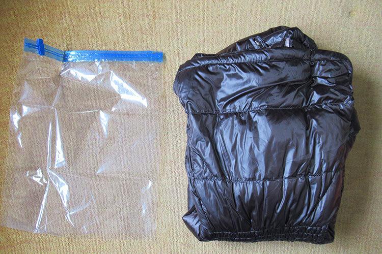 キャリーバッグの詰め方のコツ ダウンジャケットの詰め方