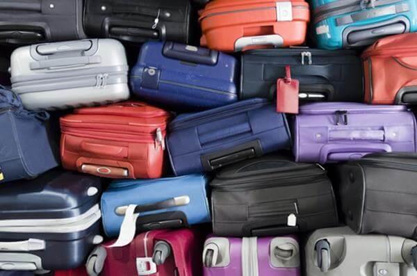 スーツケース 詰め方 飛行機にはギューギューに積まれる